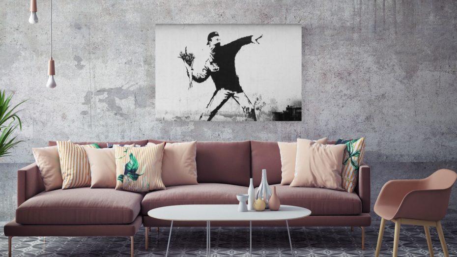 Banksy throw flowers schilderij